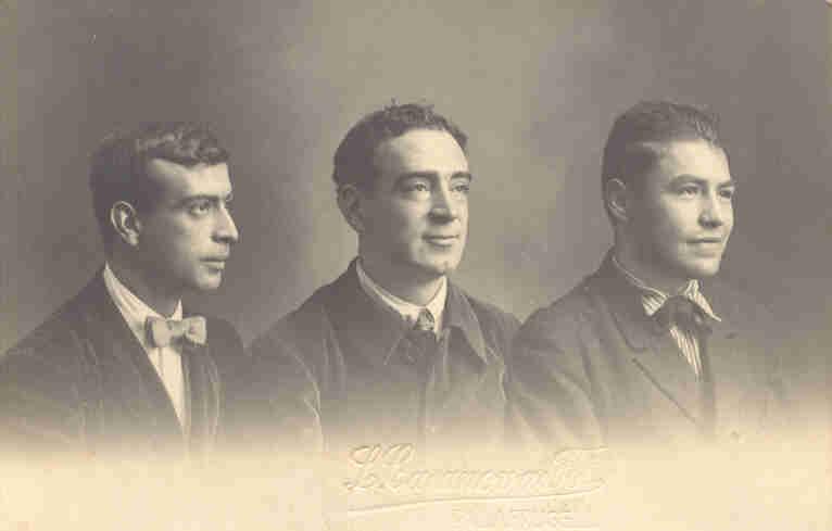 Joan B. Coromina, Tomàs Gallart i Josep Pla. Palafrugell, 1917. Autor L. Casanovas. Fundació Josep Pla, col. Carmen Miquel Girbal